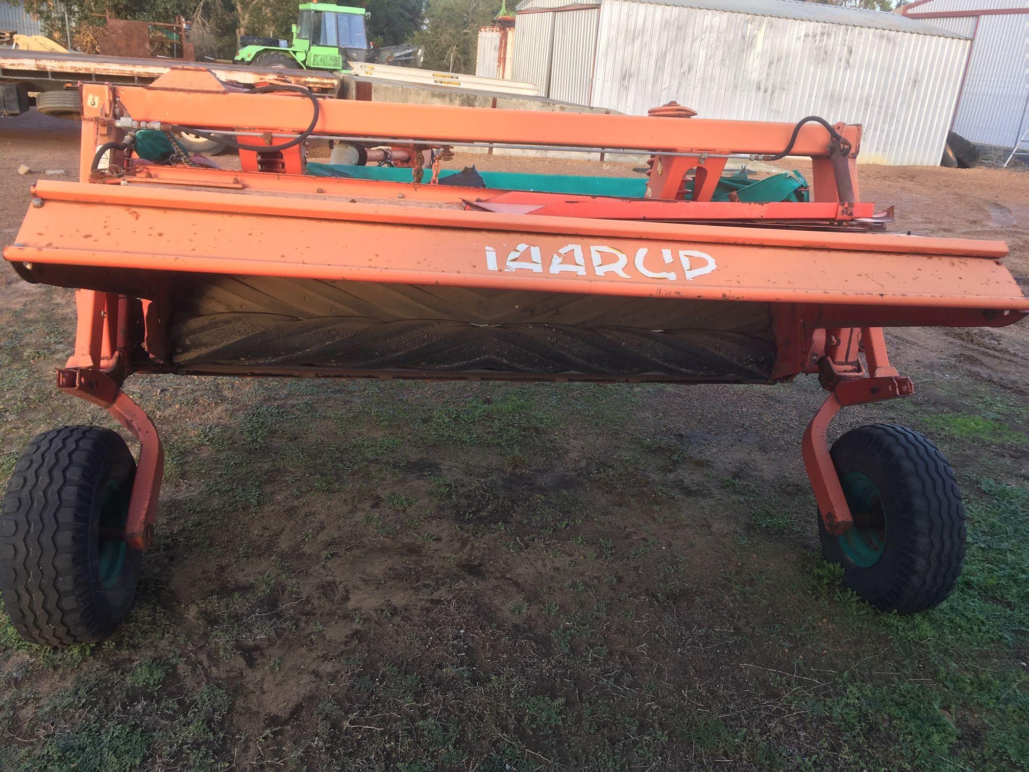 Used Taarup 338R